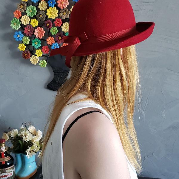 Chapéu vermelho, modelo coco, charme no inverno