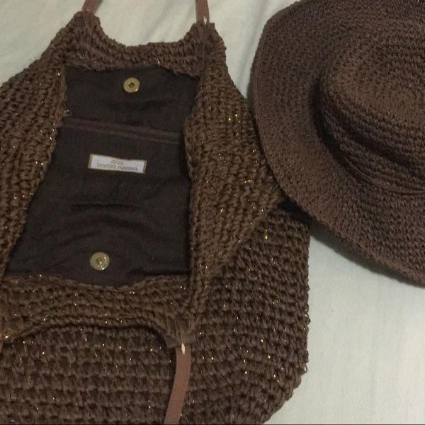Conjunto de praia chapéu e bolsa da marca bossa nova