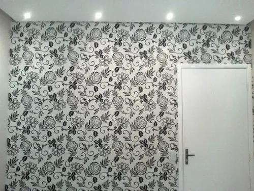 Colocação de papel de parede e adesivos