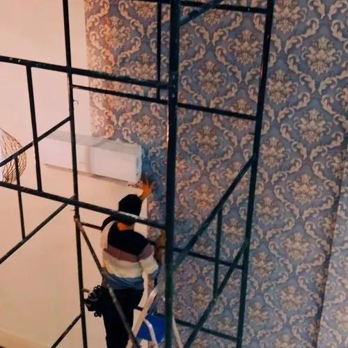 Instalador colocador aplicador papel de parede. balneário