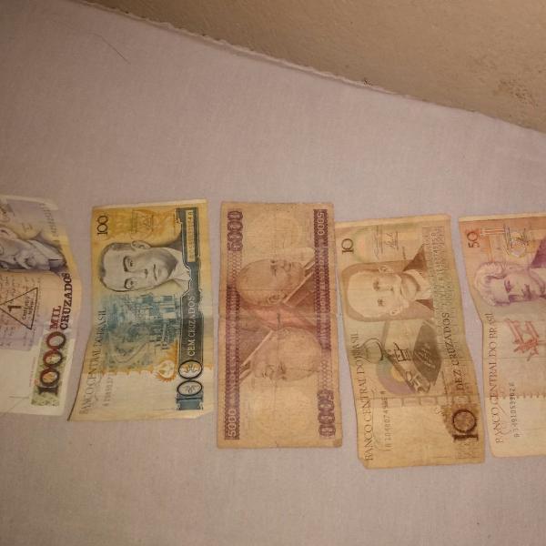 Cruzados dinheiro antigo