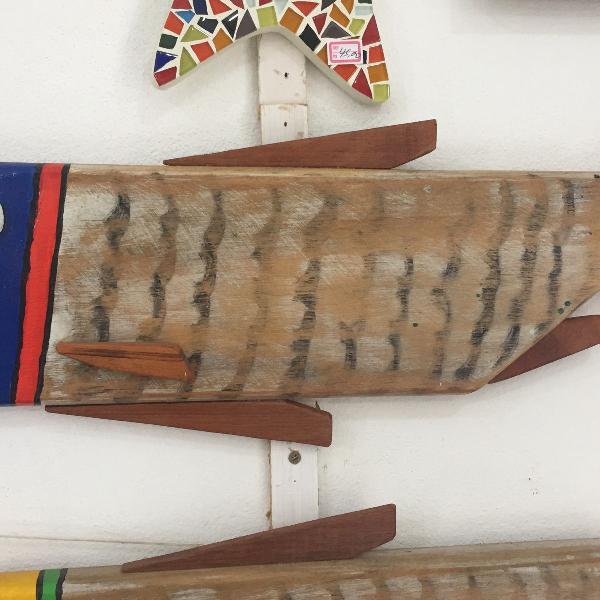 O valor é de cada peixe artesanal madeira