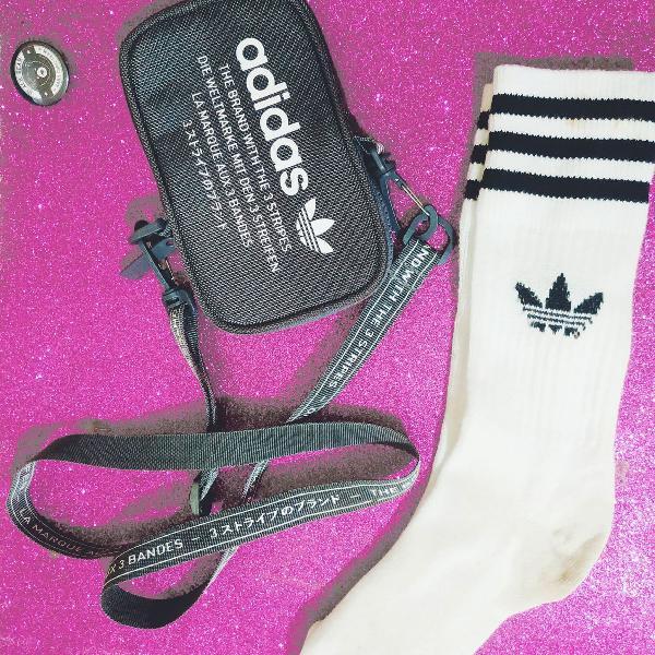 Bolsa pochete adidas + meias