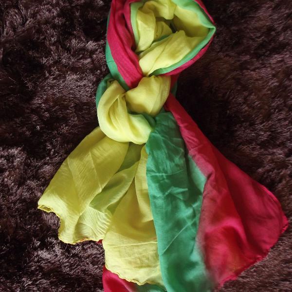 Verde, amarelo e vermelho