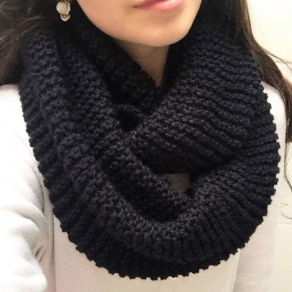 Cachecol preto duas voltas tricô lã inverno