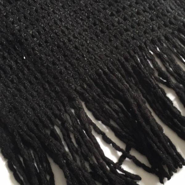 Cachecol preto tricô lã com franja e aplicação de