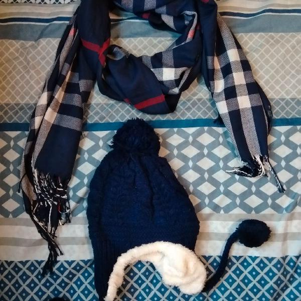 Gorro azul marinho e cachecol xadrez azul
