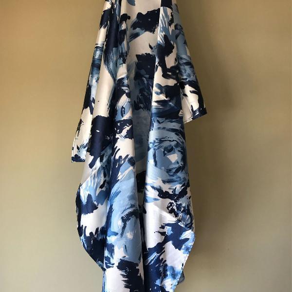 Lenço azul cetim de seda