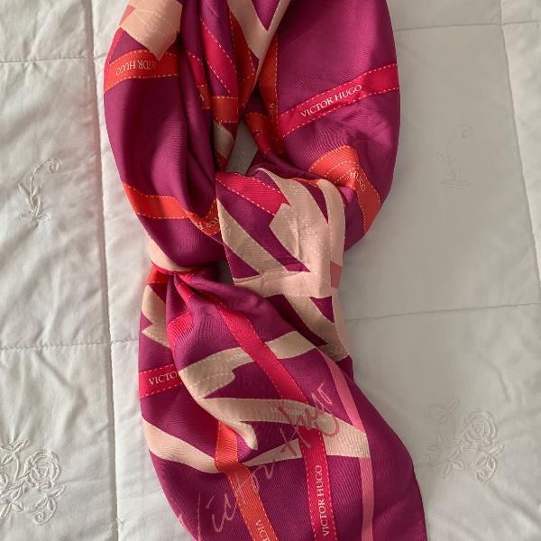 Lenço de seda victor hugo 85cm x 85 cm