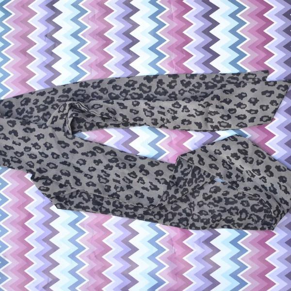 Lenço / faixa cinza animal print