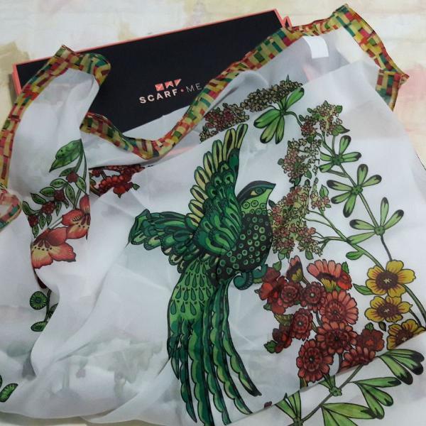 Novo] scarf me - lenço lindooo de pássaro verde, flores,