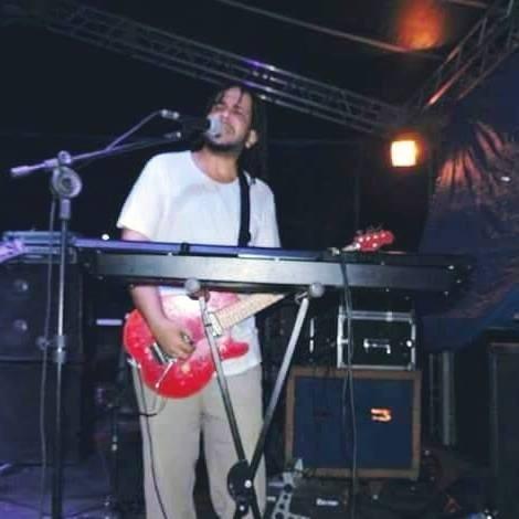Aulas de teclado/guitarra/violao