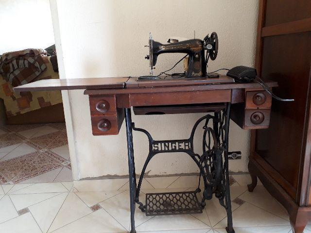 Máquina de costura singer antiga anos 50
