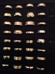 Alianças lindas em ouro 18k