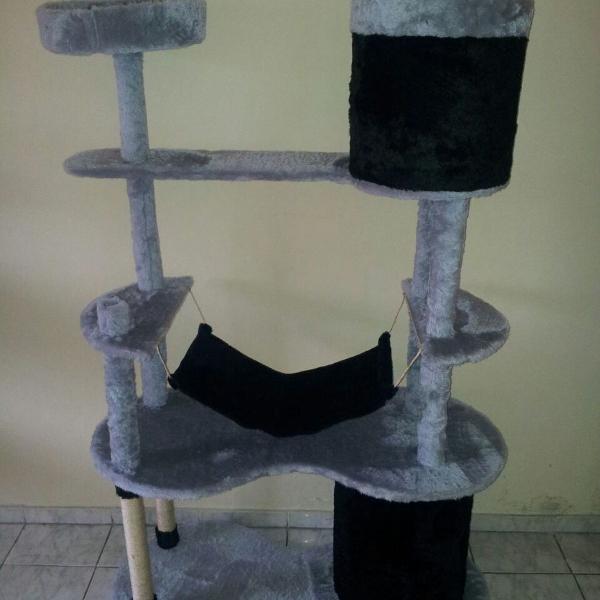 Arranhador gigante para gatos tocas rede e banqueta grande