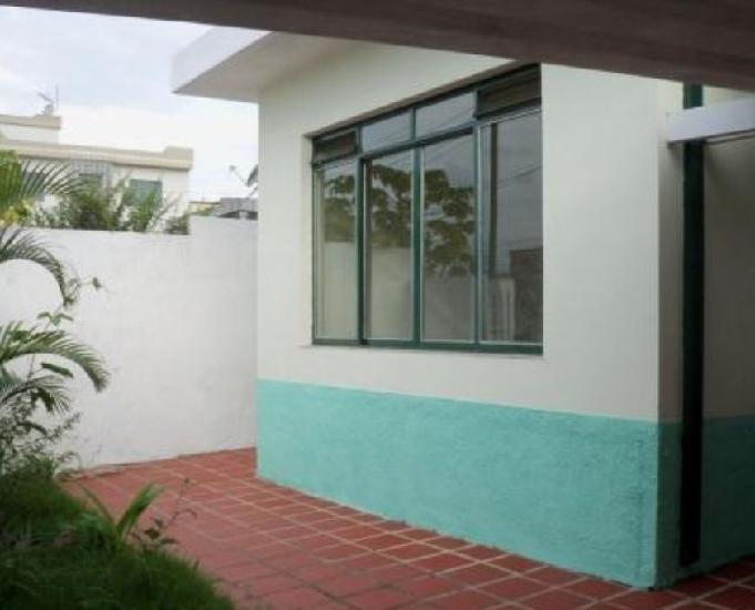 Casa 200m² 3 Dormts.2 Vagas 200m² Avenida Interlagos -