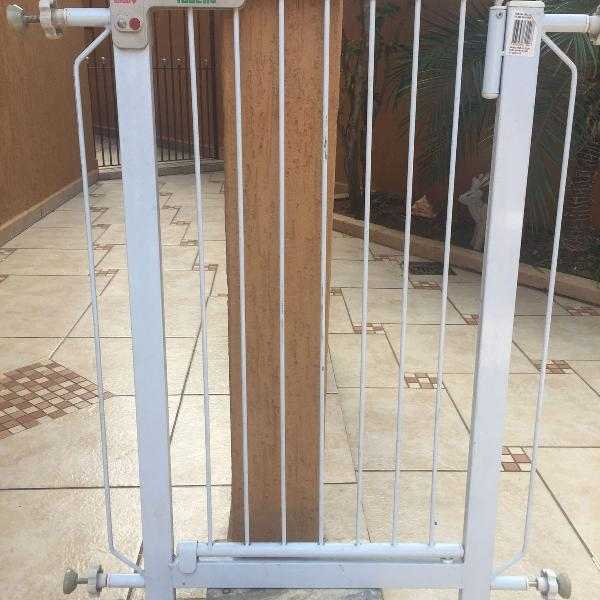 Grade proteção porta portãozinho pet bebe