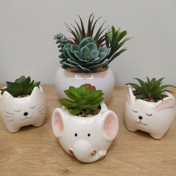 Conjunto decorativo de porcelana
