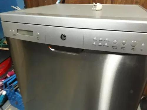 Máquina de lavar loucas