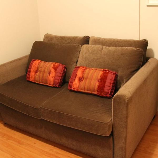 Sofá-cama (veja aberto, é um colchão densidade 33!)
