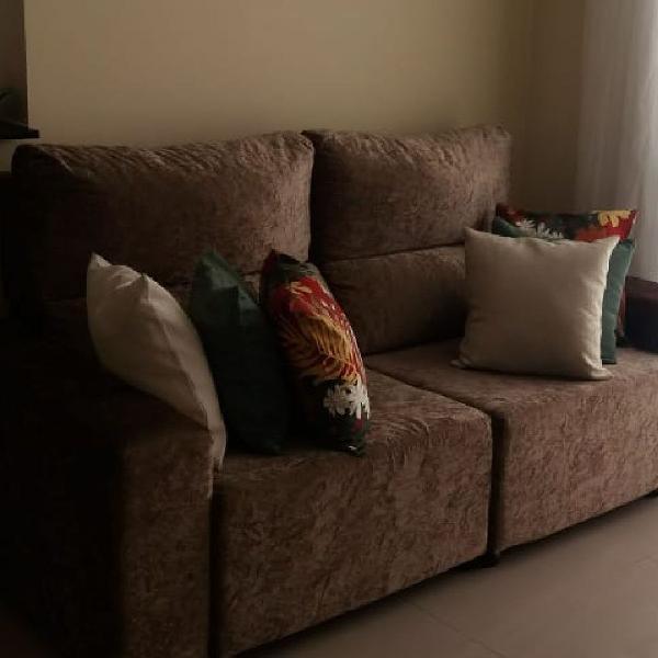 Sofá com 3 lugares retrátil + mesa com 6 cadeiras semi