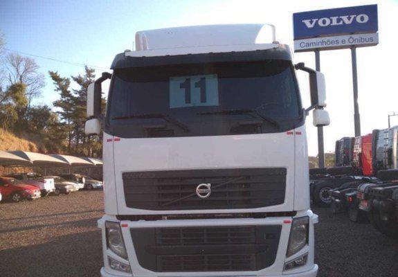 Volvo fh440 teto baixo com defletor 6x2