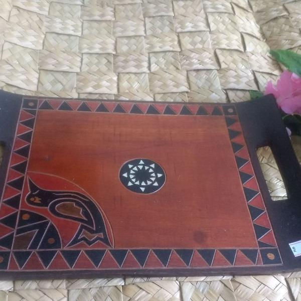 Bandeja em madeira,pintada à mão indonésia