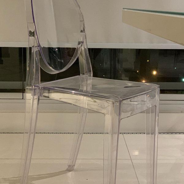 Cadeira acrílico transparente