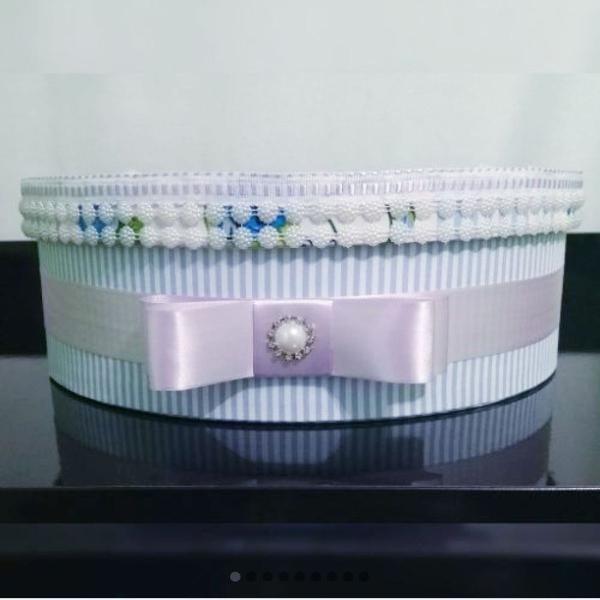 Caixa mdf redonda decorada em tecido - nova