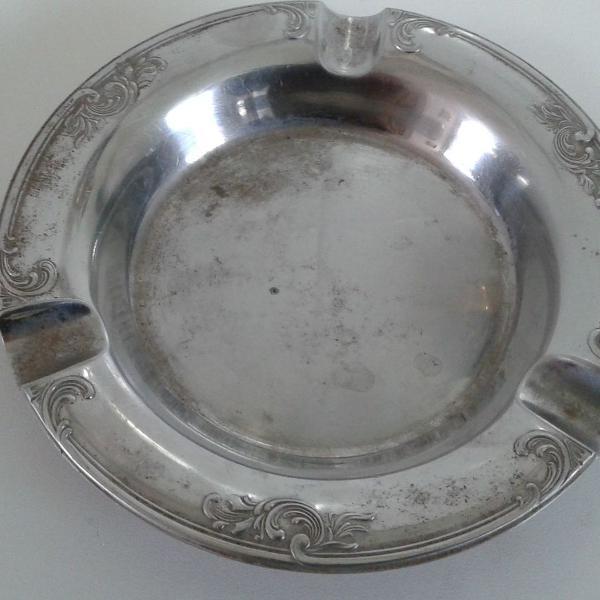 Cinzeiro mesa em aço nobre inox 13 cm anos 60