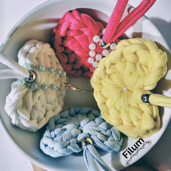 Kit 5 chaveiros de coração em crochê