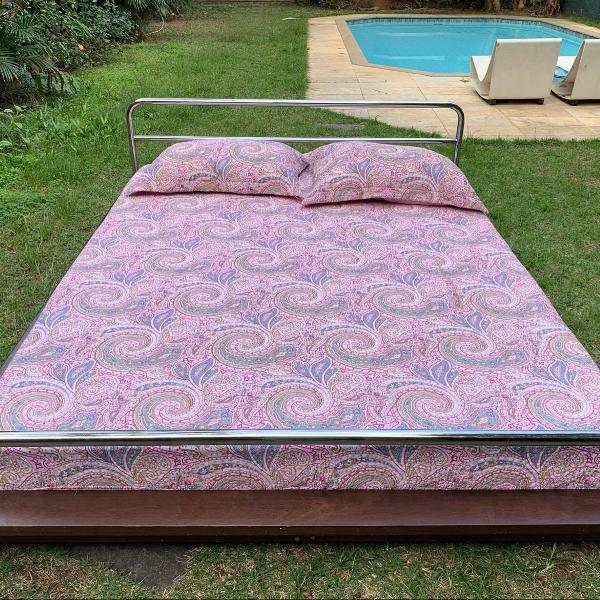 Linda cama tok stok queen size colchão incluso