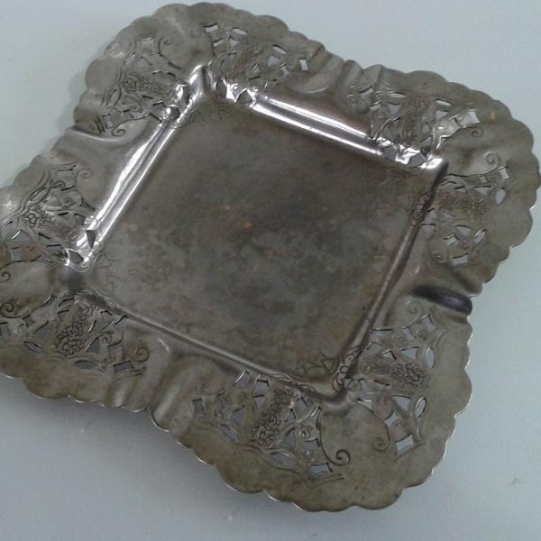 Lindo cinzeiro antigo grande banho de prata