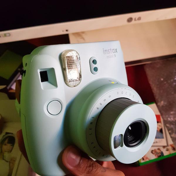Maquina polaroid instax mini