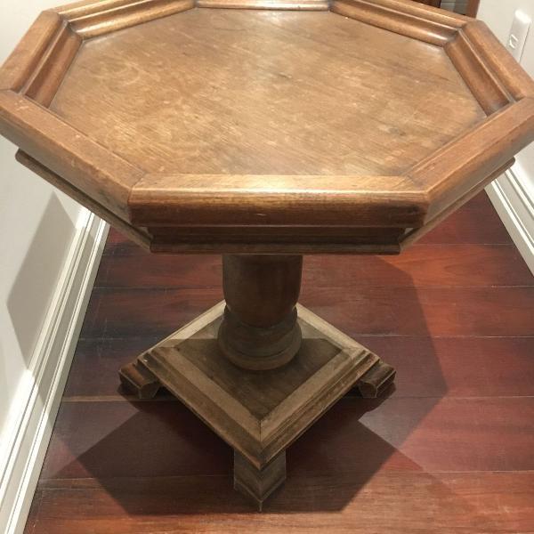 Mesa apoio oitavada em madeira escura maciça com pé