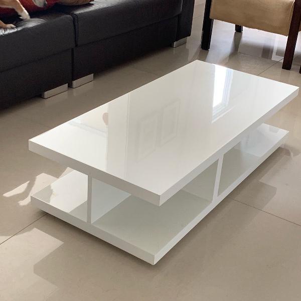 Mesa de centro branca laqueada