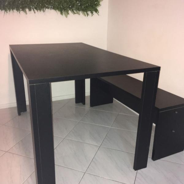 Mesa de jantar preta 120cm