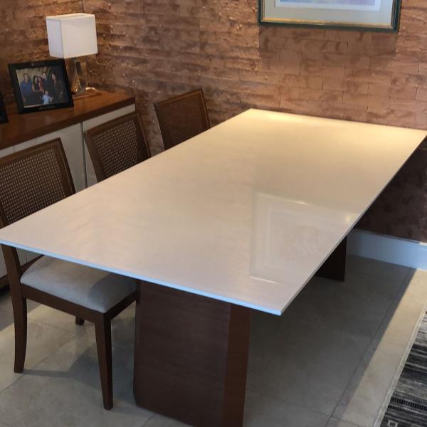 """Mesa jantar em laca cor """"new white"""" com vidro"""