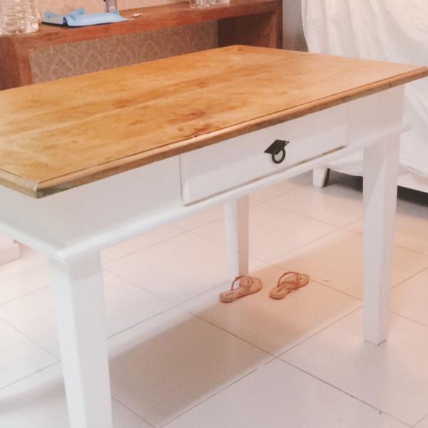 Mesa madeira maciça 1.20 x 0.80 com gaveta