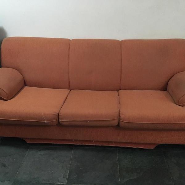 Sofa de tres lugares super confortável