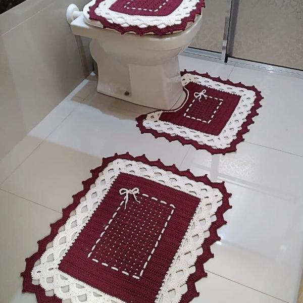 1 jogo de banheiro tapetes em crochê