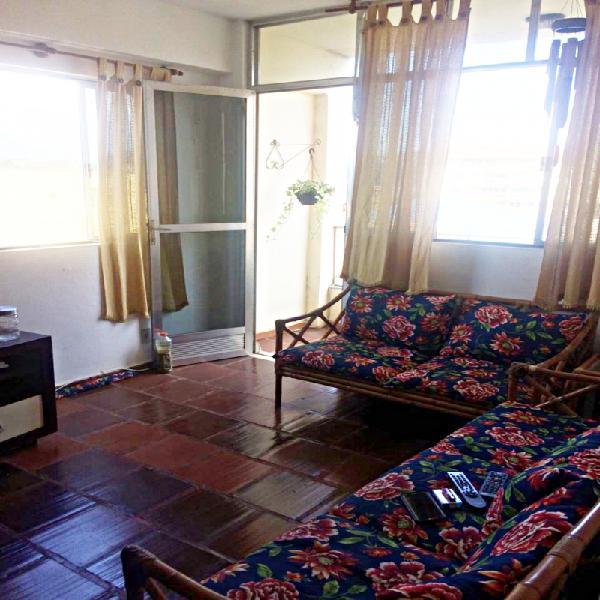 Aluguel, apartamento no 4º andar, no centro de ponta