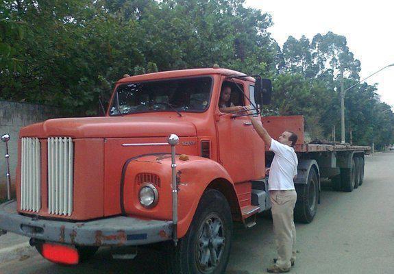 Scania 111 com carreta