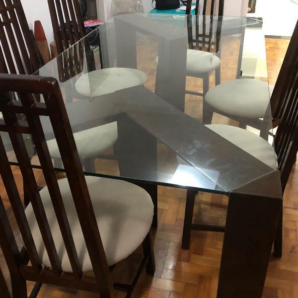 Mesa de jantar com tampo de vidro e 6 cadeiras