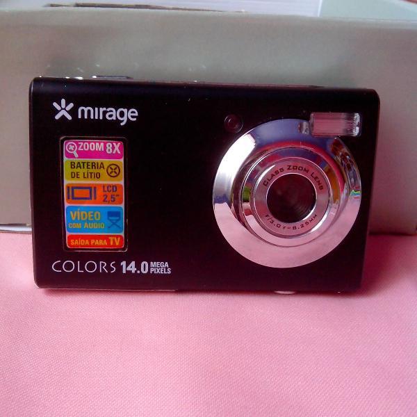 Linda máquina fotográfica digital