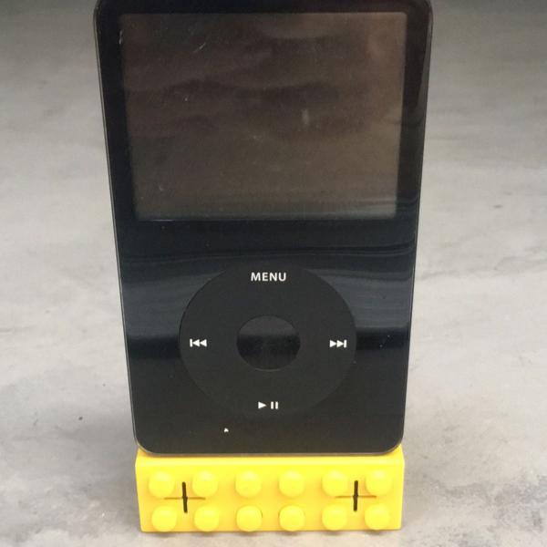 Caixinha de som retro para ipod