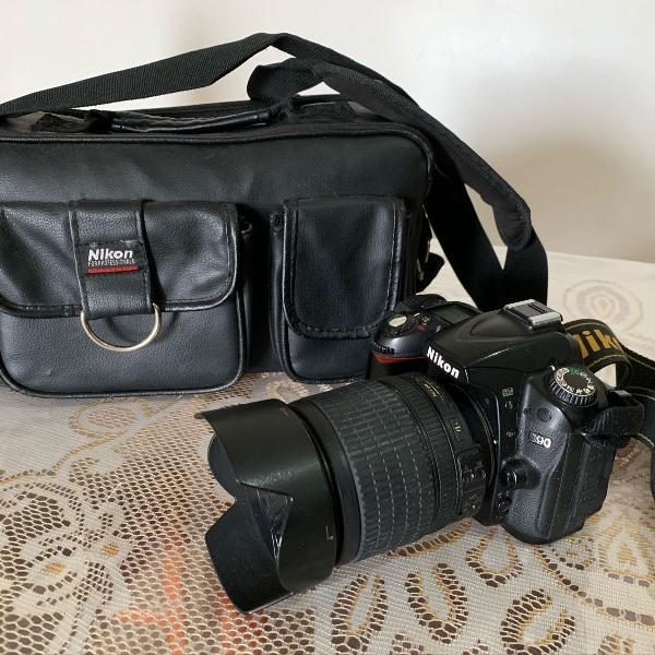 Camera semi nova nikon d90 18-105mm
