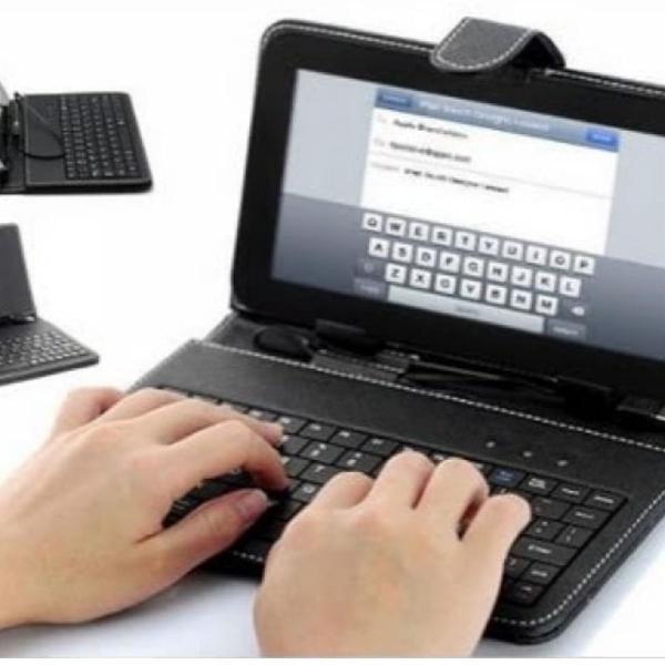 Capinha protetoras com teclado pra tlabes universal