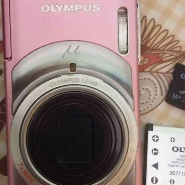 Câmera digital olympus rosa