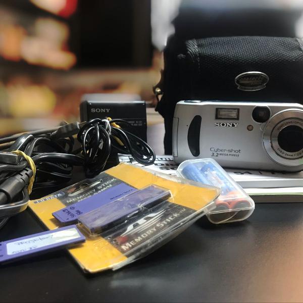Câmera fotográfica cyber shot